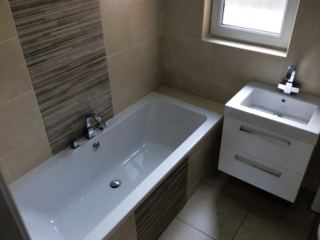 Feature tile, double ended bath, wall hung, bathroom